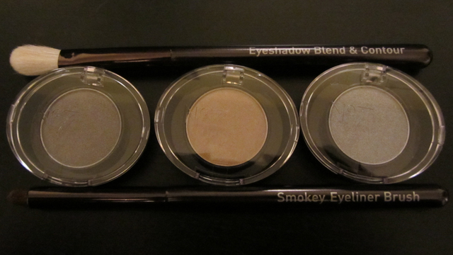 No7 golden smokey eye gift set