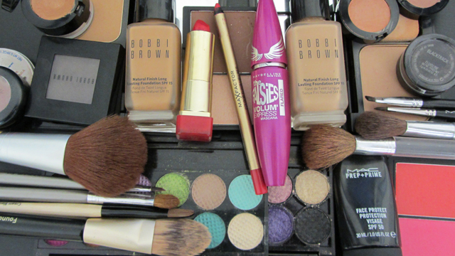 Dramatic Glamour with rosy cheeks full face kit
