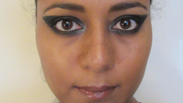 Red Carpet Winged Eyes