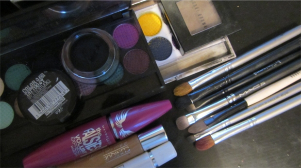Inspired: Yellow and Pink-Purple Eyes Matte kit without flash