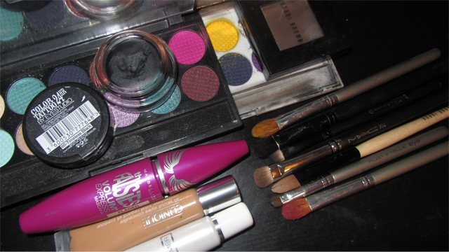 Inspired: Yellow and Pink-Purple Eyes Matte with flash