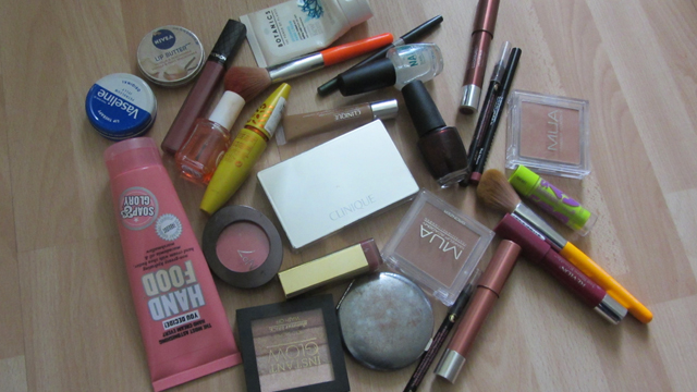 Contents of My Make-Up Bag #2