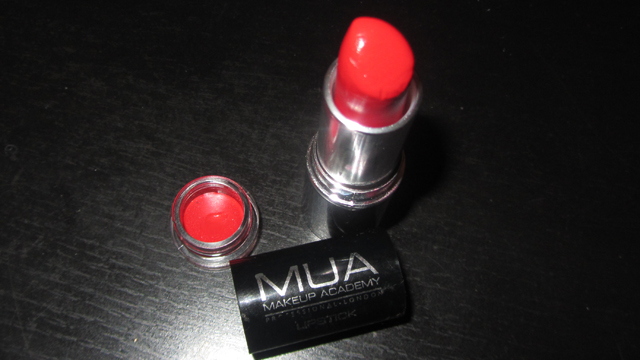 MUA Red Lipstick in Shade 13 disassembled!