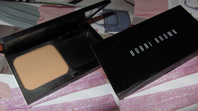 Bobbi Brown Illuminating Finish Powder Compact Foundation SPF12 Honey 5