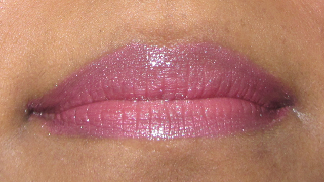 Quick Mauve and Gold  mauve lips