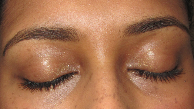 Quick Mauve and Gold  closed eyes