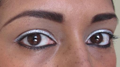 Bright Silver Eyes With Red Rosy Lips - eyes