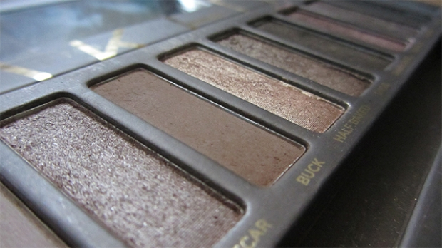 Nudes for brown skin - Urban Decay Naked eyeshadow palette!