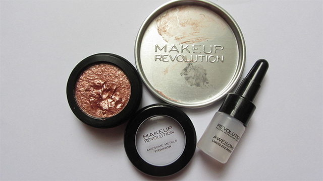 Makeup Revolution Awesome Metals Foil Finish Eyeshadow in Magnificent Copper