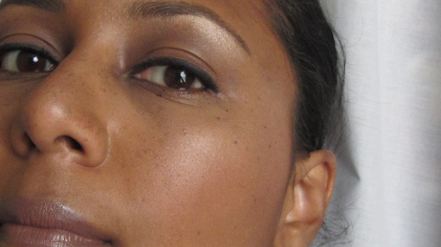 Strobing - nose, brows and cheeks close-up
