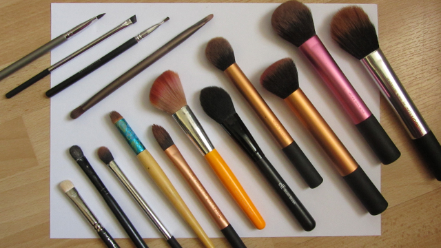 Mother-in-law/Mother of the Bride Make-up - the tools