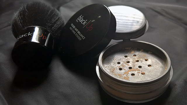 Black|Up Anti-Shine Powder and Black|Up Kabuki Brush
