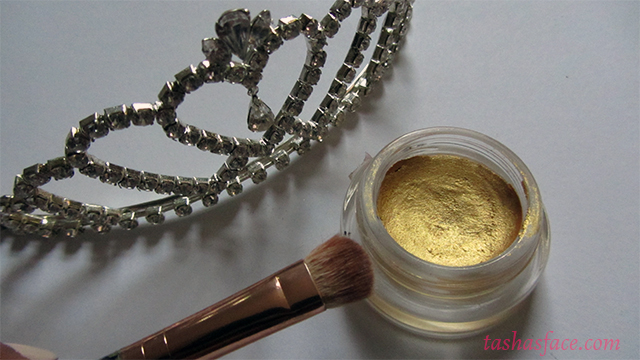 Tiara Maybelline Colour Tattoo - 24K Gold Teeez brush makeup brown eyes darker skin
