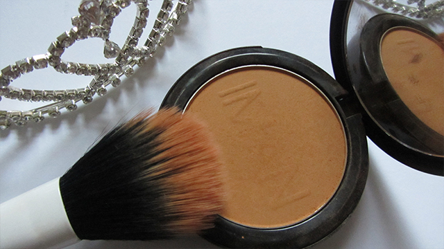 tiara Iman Face Luminous Foundation in Clay 1 Real Techniques duo-fiber face brush