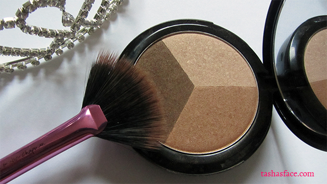 Iman luxury contour trio real techniques fan brush makeup tiara